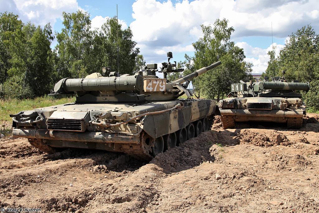 Парочка Т-80У (A couple of T-80U)