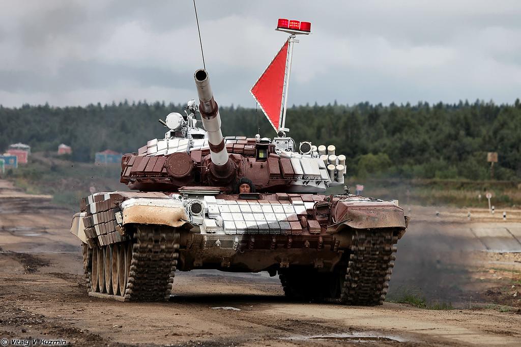 Команда Казахстана на танке Т-72Б1 (Kazakhstan team with T-72B1 tank)