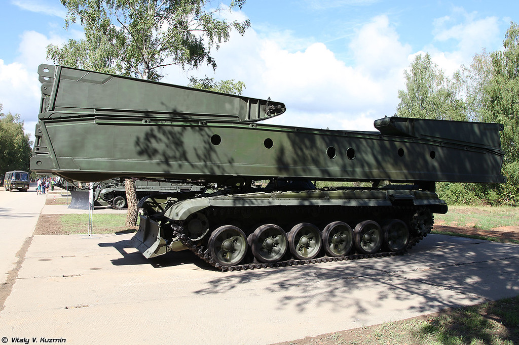 Мостоукладчик МТУ-72 (MTU-72 armored vehicle launched bridge)