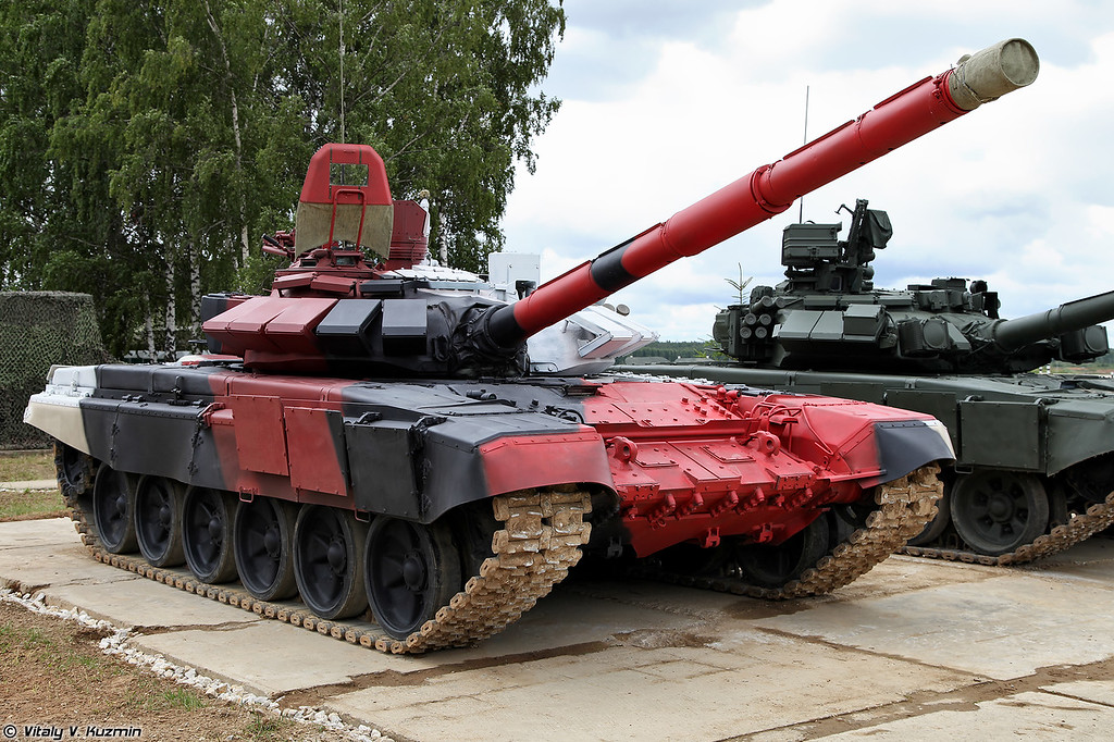 Фотографии танка Т-72Б3М (в некоторых источниках фигурирует как Т-72Б4) в раскраске для танкового биатлона. Т-72Б3М/Б4 является вариантом модернизации Т-72Б3 специально для танкового биатлона. (Walkaround of T-72B3M (also sometimes called T-72B4) tank - a special version of T-72B3 for tank biathlon)