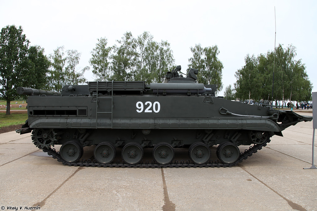 Бронированная ремонтно-эвакуационная машина БРЭМ-Л (BREM-L armoured recovery vehicle)