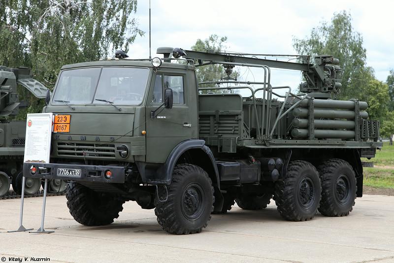 Транспортно-заряжающая машина 2Ф77М из состава ЗРПК 2К22М Тунгуска-М (2F77M transloading vehicle for 2K22M Tunguska-M)