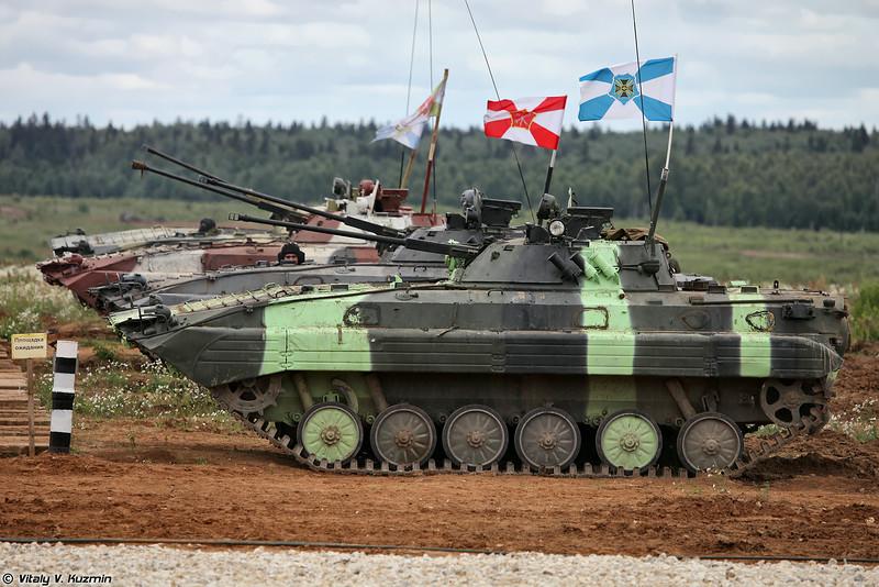 В этом году добавился также зачет БМП-2, которые проходят аналогичную дистанцию. В последствии данный зачет назовут Суворовский натиск (This year was also added IFV crews competition, which will be called Suvorov attack)