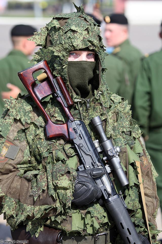 Снайпер 137-го отдельного разведывательного Дембицкого батальона с винтовкой СВД (Sniper from 137th Independent Reconnaissance Dembitskiy battalion with SVD sniper rifle)