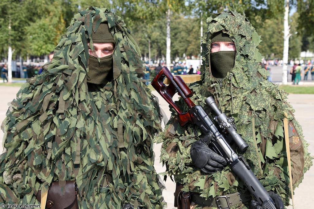 Снайперы 137-го отдельного разведывательного Дембицкого батальона с винтовками СВД (Snipers from 137th Independent Reconnaissance Dembitskiy battalion with SVD sniper rifles)