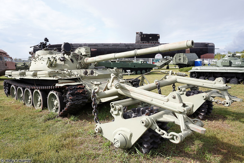 Т-55А с минным тралом КМТ-5М (T-55A with KMT-5M mine roller)
