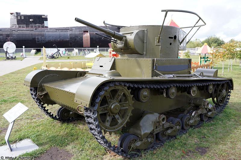 Реплика легкого танка Т-26 обр. 1933г. с оригинальными деталями (T-26 mod.1933 replica with some original parts)