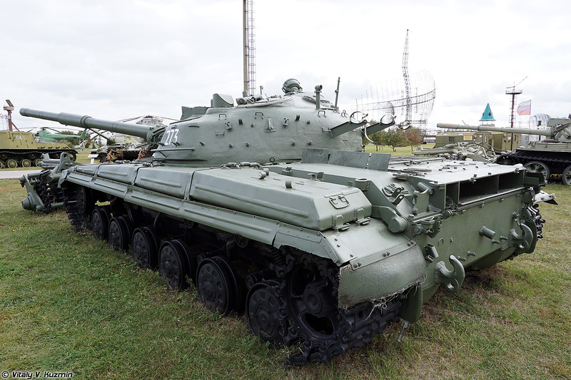 Т-64А с минным тралом КМТ-5М (T-64A with KMT-5M mine roller)