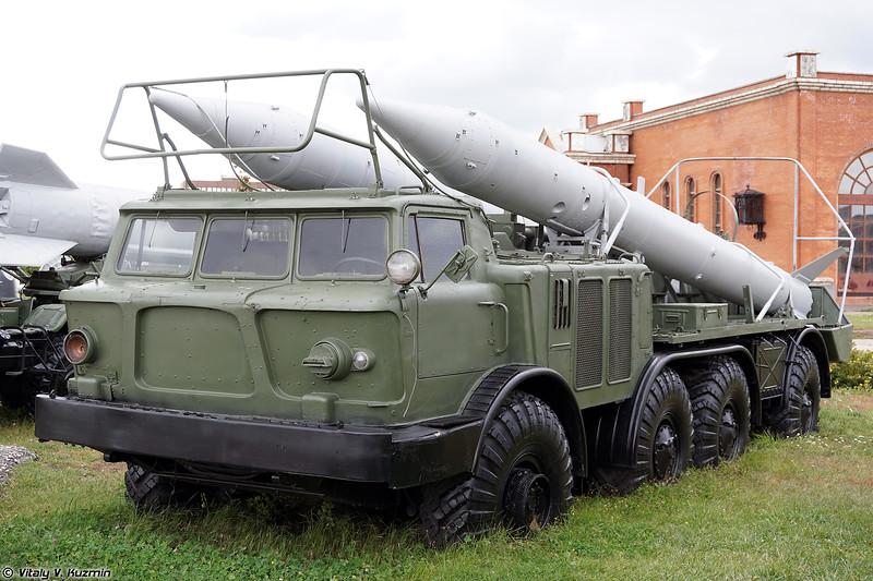 Транспортная машина 9Т29 ракетного комплекса 9К52 Луна-М (9T29 transporter 9K52 Luna-M)