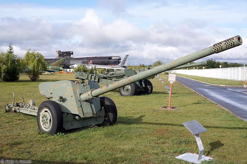100-мм противотанковая пушка МТ-12 (2A29 / MT-12 100mm)
