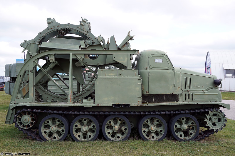 Траншейная машина БТМ-3 (BTM-3 trenching vehicle)
