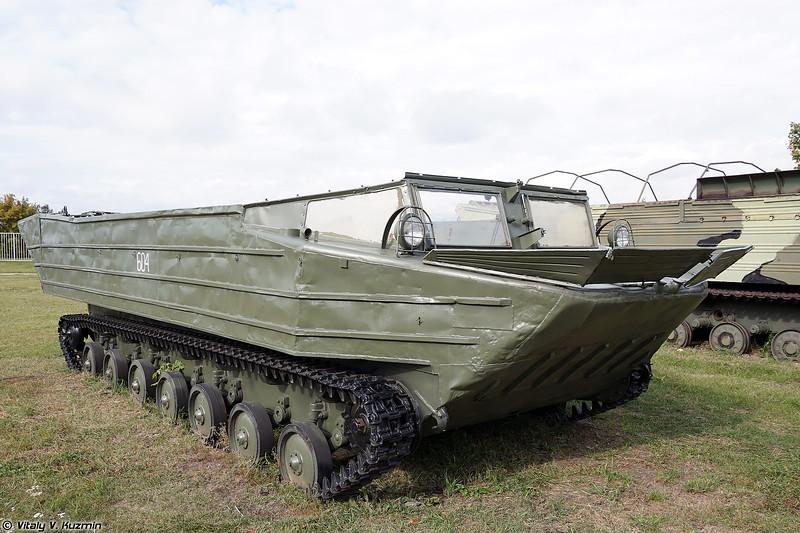 Плавающий транспортер К-61 (K-61 amphibious transport)