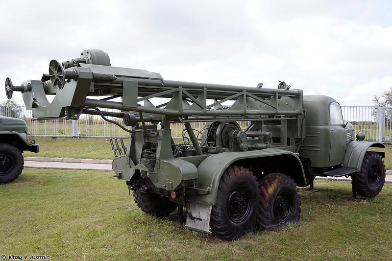 Передвижная буровая установка ПБУ-50 (PBU-50 drilling rig)