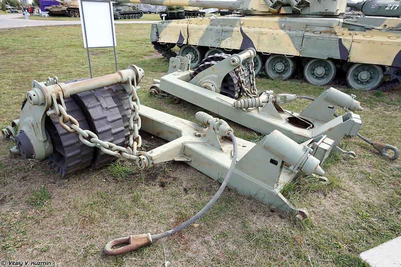 Колейный минный трал КМТ-7 (KMT-7 mine roller)