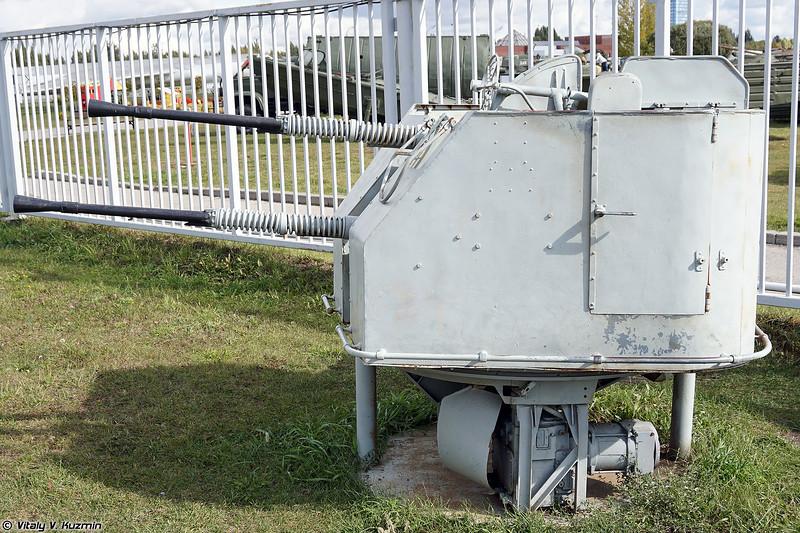 Корабельная артиллерийская установка 2М-3М (2M-3M naval gun)