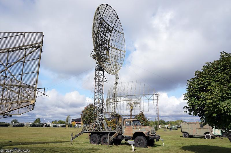 Мобильная антенная опора станции Р-410М-7,5 (R-410M-7,5 signal vehicle)