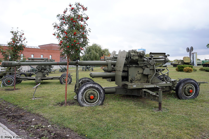 100-мм зенитная пушка КС-19 (100mm KS-19 anti-aircraft gun)