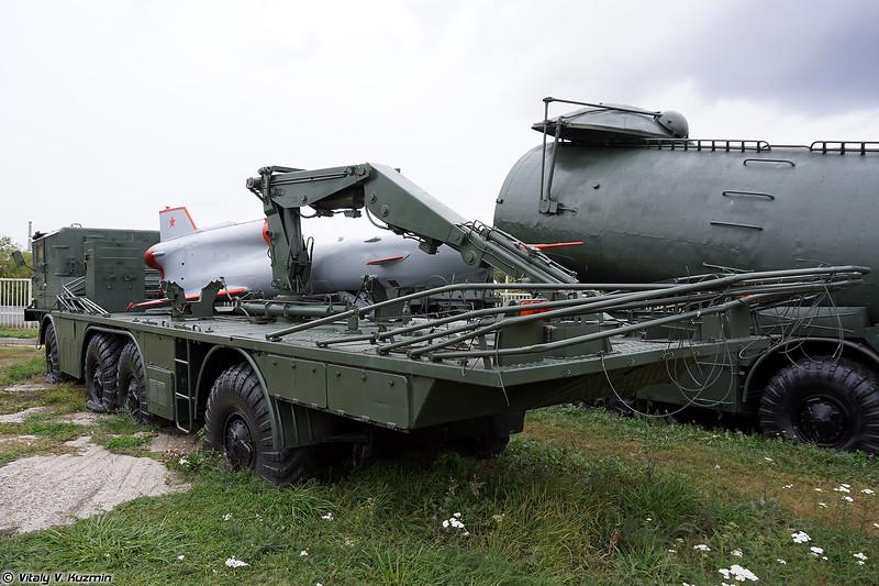 Транспортно-заряжающая машина ТЗМ-143 беспилотного комплекса ВР-3 Рейс (TZM-143 transporter/loader from VR-3 Reys UAV system)