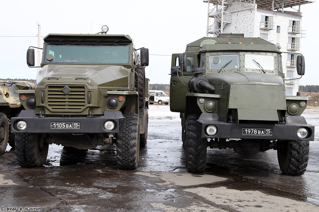 Бронеавтомобили Урал-4320ВВ и Звезда-М (Ural-4320VV and Zvezda-V armored vehicles)