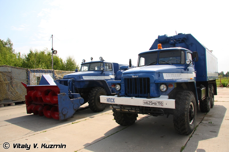 Аэродромная техника (Airfield vehicles)
