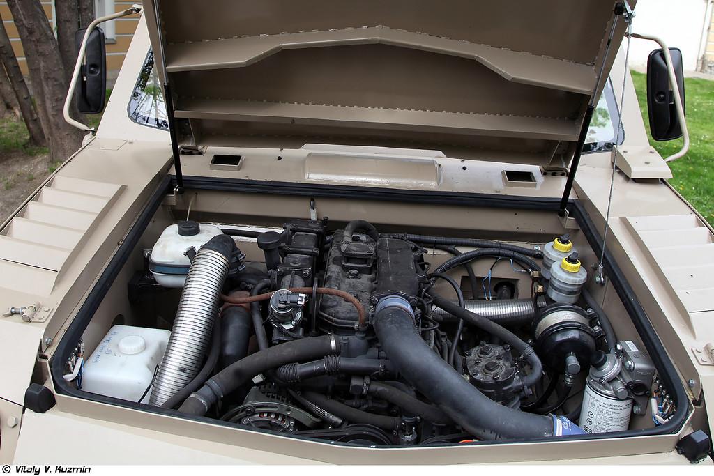 Унифицированный для всего семейства дизельный двигатель Минского моторного завода мощность 136 л.с. и максимальным крутящим моментов 460 Нм (Diesel engine)