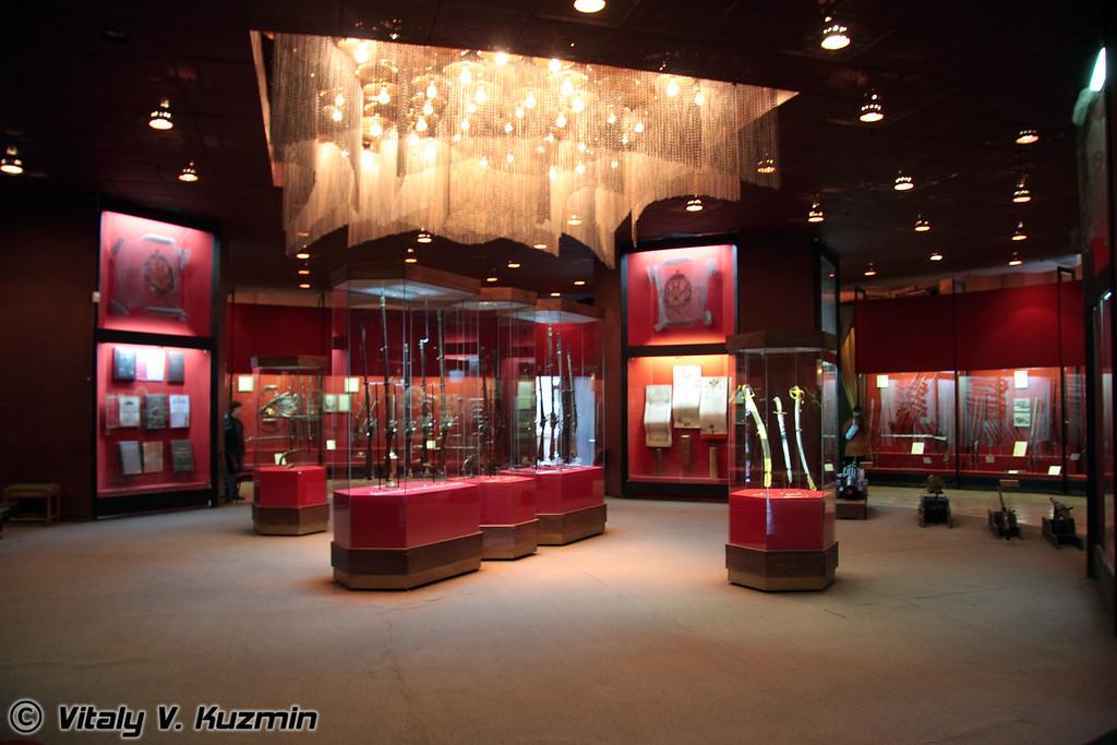 Средневековый зал - начало экспозиции (Medieval section)