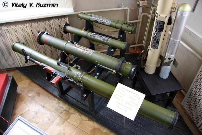 РПГ-18, РПГ-26, РПГ-27, РПГ-29 и РПО-А (RPG-18 Mukha, RPG-26 Aglen', RPG-27 Tavolga, RPG-29 Vampire, RPO-A Shmel)