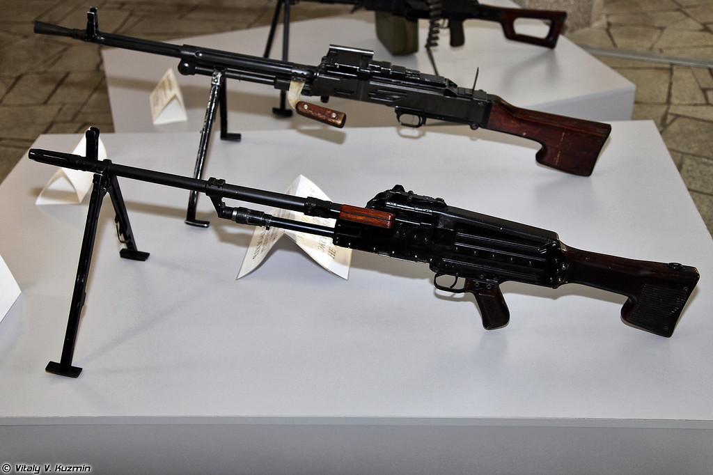 Единые пулеметы ТКБ-464 и ТКБ-015 (TKB-464 and TKB-015 machine guns)