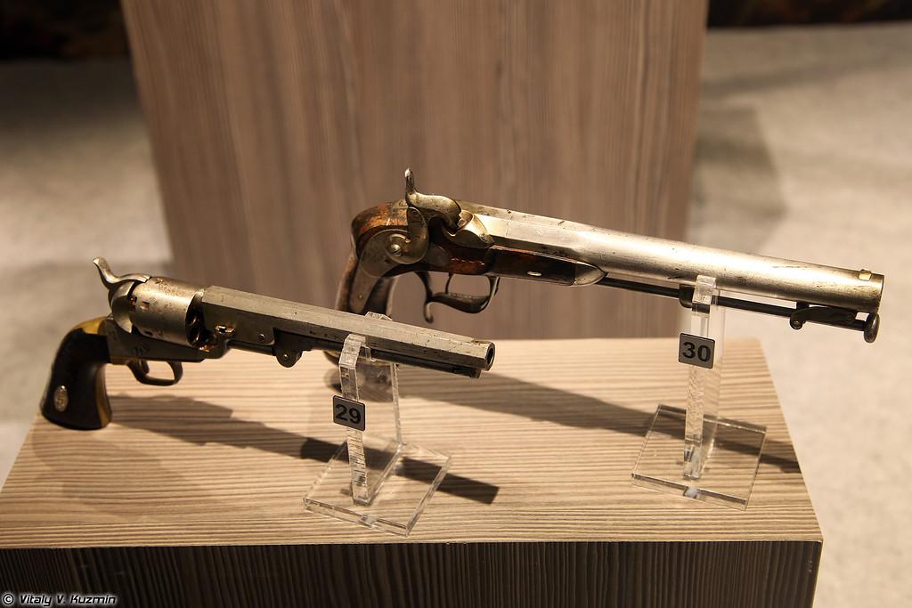Револьвер капсюльный Кольта и пистолет офицерский кавалерийский образца 1845 г. (Colt revolver and cavalry officer pistol mod. 1845)