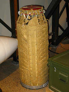 B83 Parachute