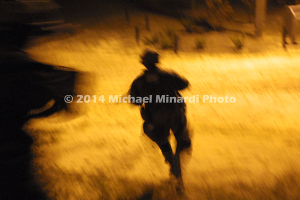 Soldier_running_at_night_IMG_3600