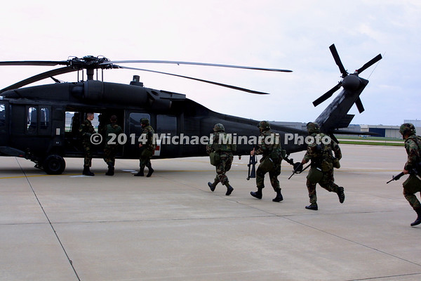 Chock_of_soldiers_boarding_Blackhawk_helicopter_030919-A-0901M-004