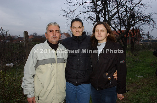 Kosovar_family_in_Novo_Selo_poisoned_pear_trees_by_neighbors_Copyright_Minardi_img_062