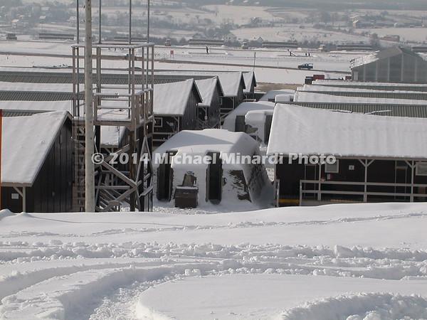 Bomb_shelter_inbetween_barracks_in_Kosovo_Copyright_Minardi_img_016