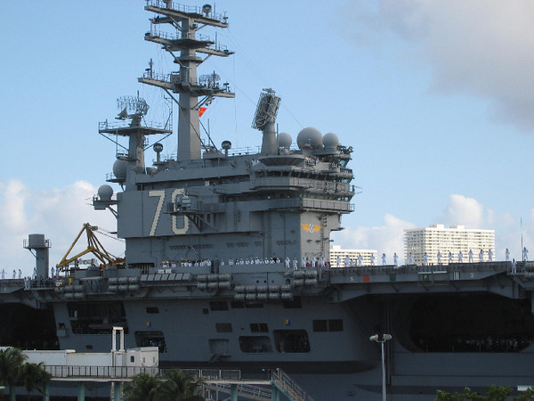 105_0507_rj-1 Reagan closeup  in ICW  Port Everglades Nov 2003