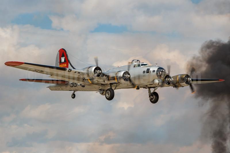United States Army Air Force Boeing B-17G-DL Flying Fortress N5017N (msn 8649) OSH (Rodrigo Cozzato). Image: 913542.