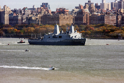 20091102_44_USS_New_York_down_river_at_77th_Street_nyc