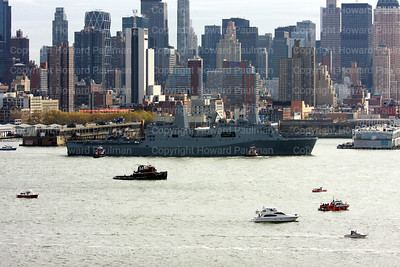 20091102_54_USS_New_York_approaches_Pier_88_nyc