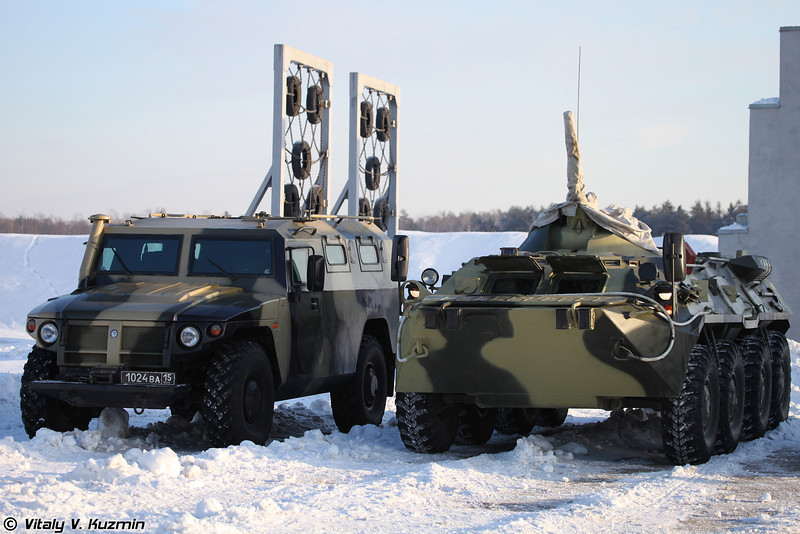 ГАЗ-233034 СПМ-1 и БТР-80 Центра (GAZ-233034 SPM-1 and BTR-80)