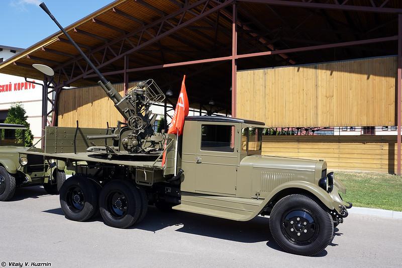 ЗИС-6 с 37-мм зенитным орудием 61-К (ZIS-6 with 37mm 61-K gun)