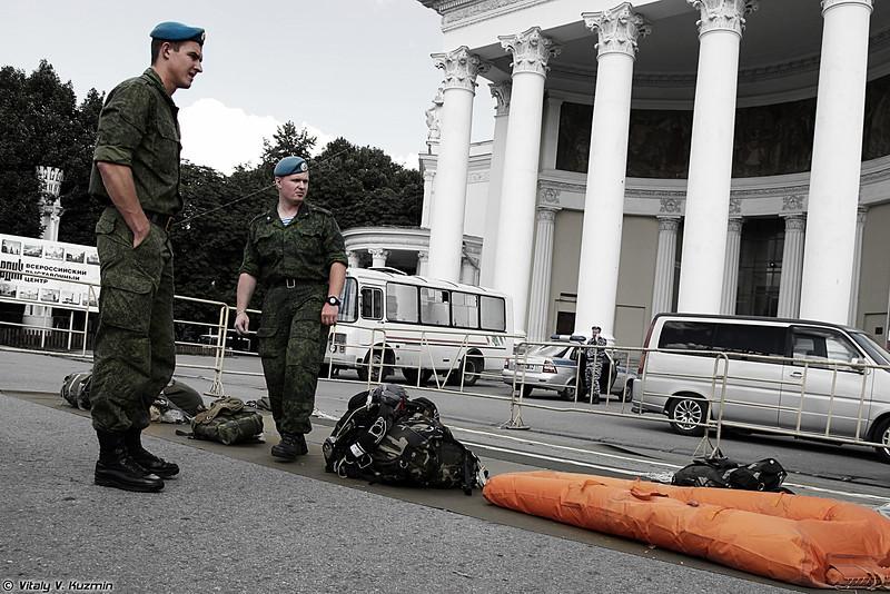Празднование Дня ВДВ 2013 в Москве на ВВЦ (Celebration of Russian Airborne troops VDV day 2013 in Moscow)