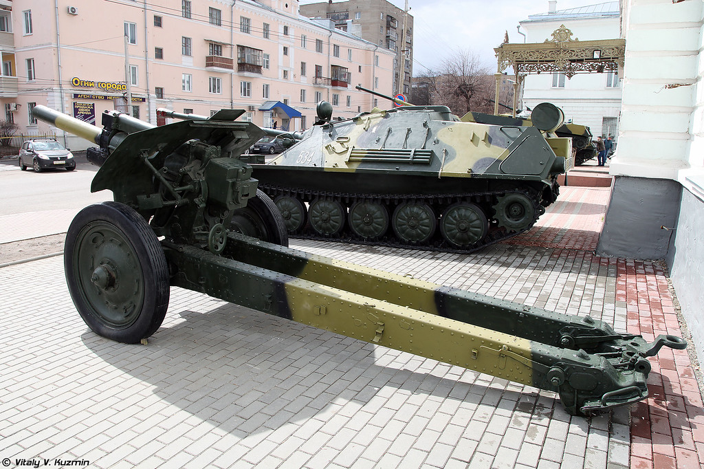 122-мм гаубица М-30 (122mm M-30 howitzer)