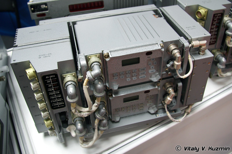 Радиостанция Р-168-25У2 для БМД-4 (R-168-25U2 radiostation for BMD-4)