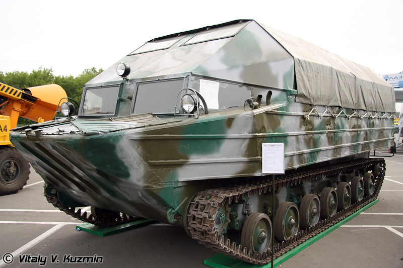Плавающий транспортер К-61 (K-61 swimming personel carrier)