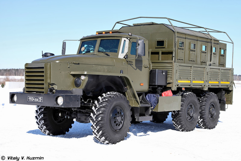 Федерал-42591 на шасси Урал-4320 (Federal-42591 armored vehicle on Ural-4320 chassis)
