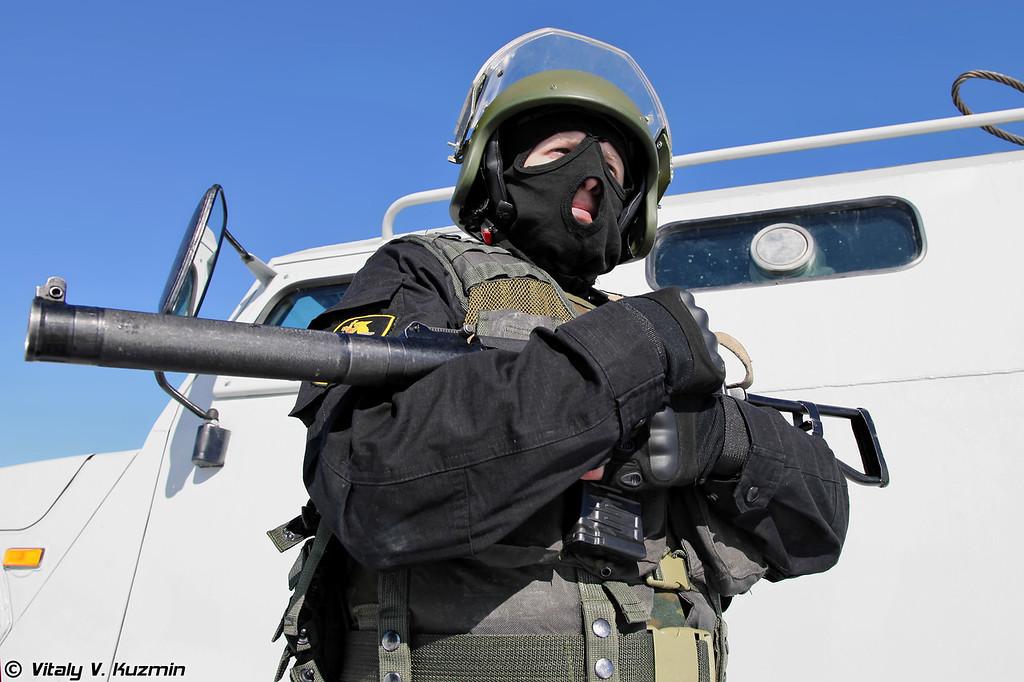 Автомат АС Вал (Operator with AS Val rifle)