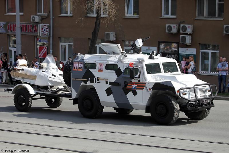 АСН 233115 Тигр-М СпН со снегоходом АС-1 (ASN 233115 Tigr-M SpN with AS-1 snowmobile)