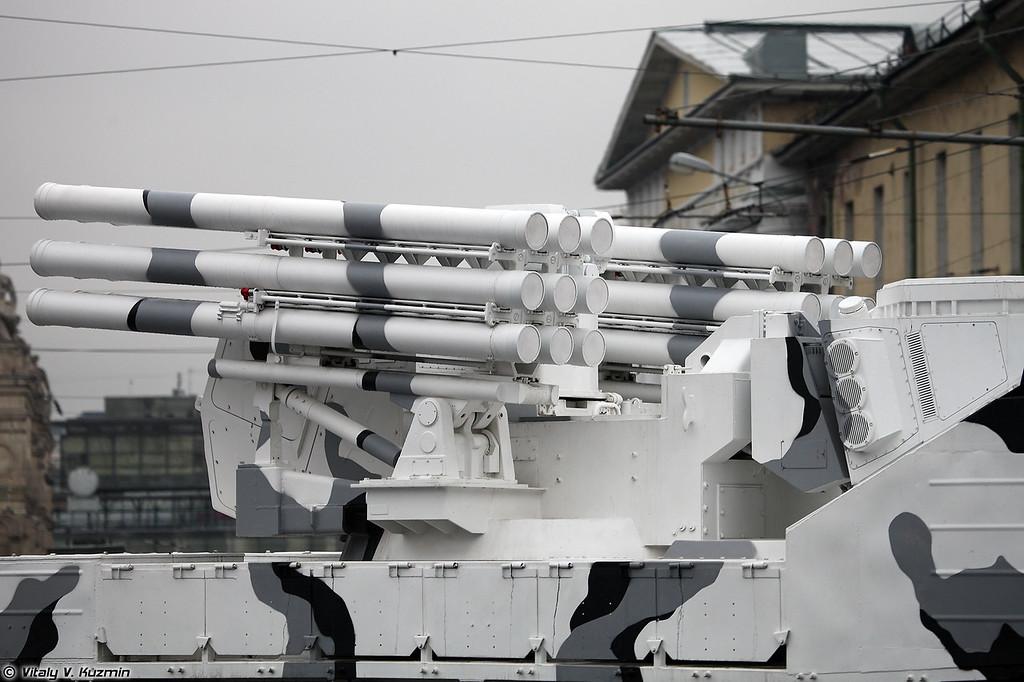 ЗРК Панцирь-СА на базе двухзвенного гусеничного транспортера ДТ-30ПМ (Pantsir-SA air defence system on DT-30PM transporter chassis)