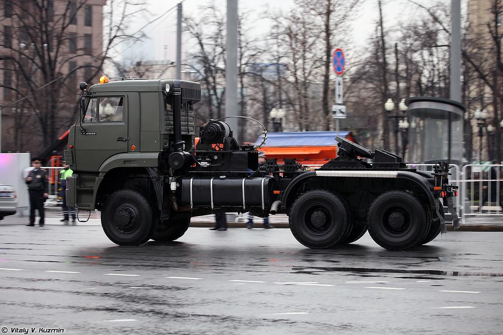 Седельный тягач КАМАЗ-65225 (KAMAZ-65225)