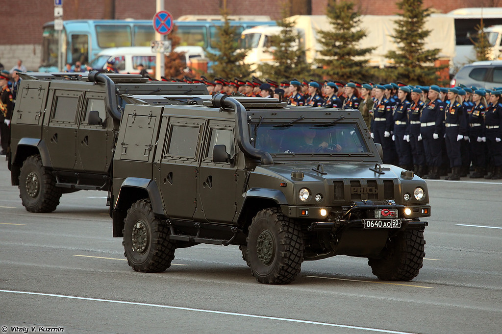 Бронеавтомобиль Рысь Iveco LMV (Iveco LMV Rys' armored vehicle)